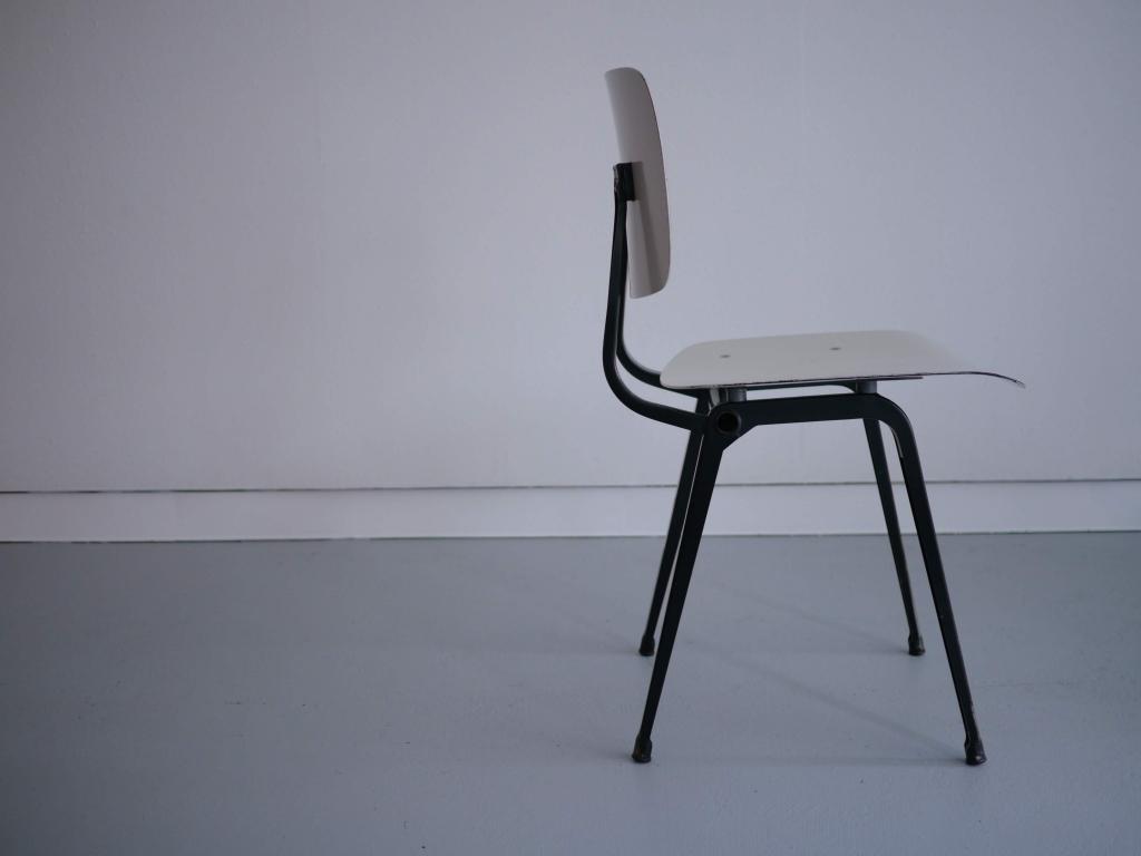 Revolt chair / Friso Kramer / Ciranol white